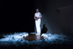 GerritvdVeenCollege Othello boy hazes (1)